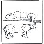 Kleurplaten Dieren - Koe bij boerderij