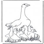 Kleurplaten dieren - Moeder gans