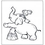 Kleurplaten Dieren - Olifant in circus